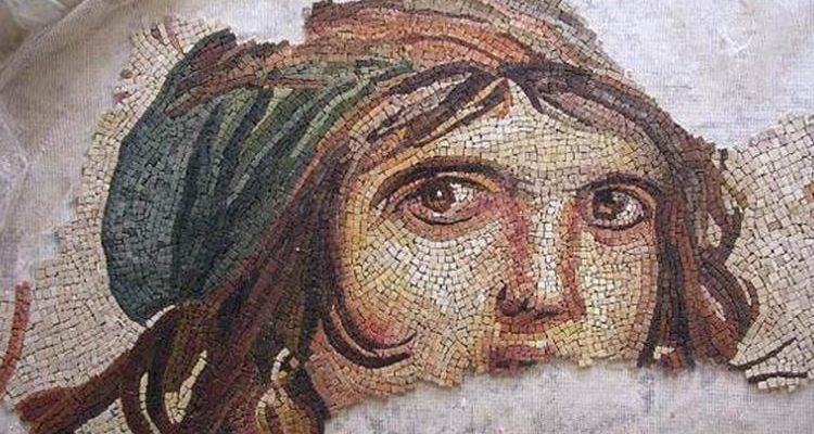 Çingene Kızı mozaiği 26 Kasım'da Türkiye'ye gelecek